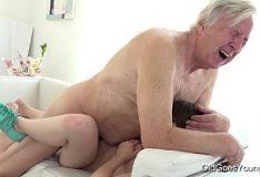 Marido fazendo porno caseiro com a esposa